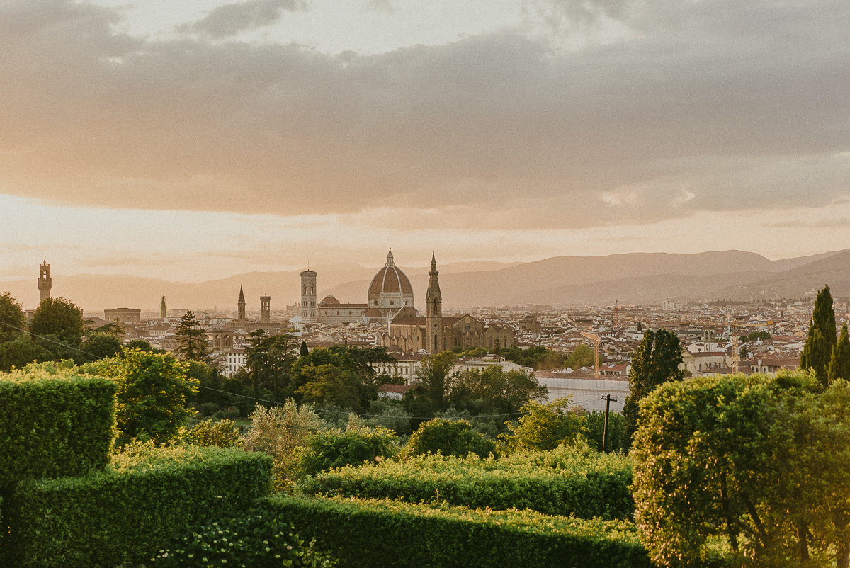 Wedding at villa la vedetta in florence for Is florence in tuscany